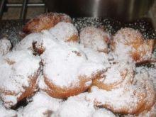 Pączusie z cukrem pudrem