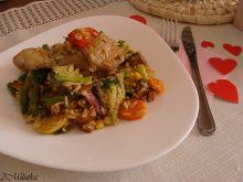 Pałeczki w ryżu i warzywach