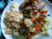Pałki kurczaka pieczone z warzywami