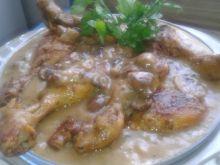 Pałki kurczaka w sosie grzybowym