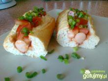 Paluchy z kiełbaskami - domowe hot dogi
