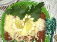 Paluszki rybne zapiekane z sosem i serem