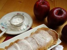 Pancakes maslankowe z jabłkami