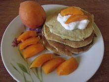 Pancakes na maślance z morelami