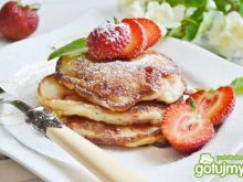 Pancakes rabarbarowo - truskawkowe