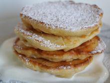 Pancakes z ananasem i bananem