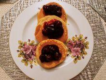 Pankejki z frużeliną wiśniową