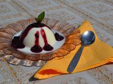 Panna Cotta z sosem jagodowo - borówkowym