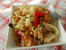 Pappardelle z pomidorami i tuńczykiem