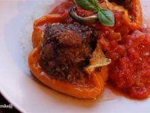 Papryka faszerowana mięsem i kuskusem