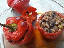 Papryka faszerowana mięsem i pieczarkami