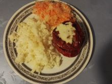 Papryka faszerowana mięsem mielonym i ryżem