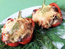 Papryka faszerowana mięsem z kurczaka i grzybami