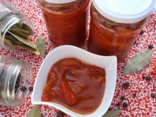 Papryka w sosie pomidorowym