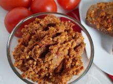 Paprykarz z jaglaną i suszonymi pomidorami