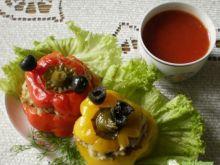 Papryki faszerowane z włoską nutą :