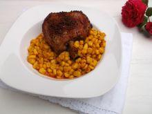 Paprykowe golonka indycze z piekarnika z kukurydzą