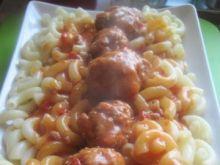 Paprykowe klopsiki w sosie pomidorowym