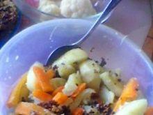 parowane ziemniaki z czosnkiem i cebulą