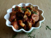 Parówki z patisonem w pomidorach