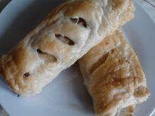 Parówki z pieczarkami w cieście francuskim