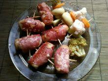 Parówki zawijane serem i salami