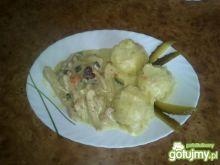 Paseczki kurczaka w sosie serowym