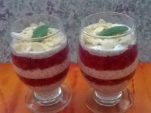 Pasiasty pudding chia z truskawkami