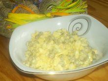 Pasta jajeczna z groszkiem