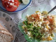 Pasta jajeczna z łososiem i szczypiorkiem