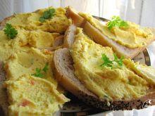 Pasta jajeczna z marchewką