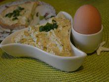 Pasta jajeczna z orzechami