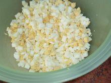 Pasta jajeczna ze szczypiorkiem i papryką