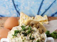 Pasta pieczarkowo-jajeczna z żółtym serem