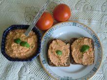 Pasta rybna z pomidorem i bazylią