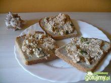 Pasta rybno-serowa z cebulką