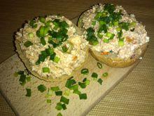Pasta serowa z makrelą i oliwkami