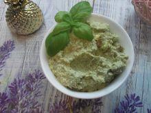 Pasta twarogowa z awokado i pistacjami