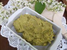 Pasta z awokado,groszku zielonego i sera żółtego