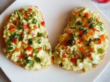 Pasta z awokado i jajek