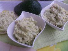 Pasta z awokado, szynki, sera żółtego i jajek