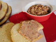 Pasta z ciecierzycy z suszonymi pomidorami