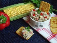 Pasta z makreli z papryką i kukurydzą