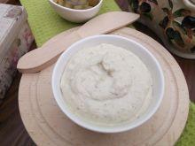 Pasta z sera feta i zielonych oliwek