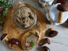 Pasta z soczewicy z leśnymi grzybami