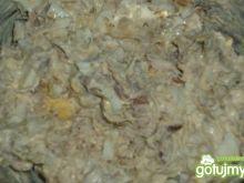 Pasta z wędzonego pstrąga z cebulą
