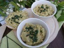 Pasta z zielonego groszku i jajek