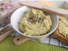 Pasta z zielonego groszku,sera żółtego i białego