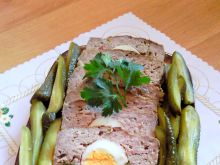 Pasztet z jajkiem i ogórkiem konserwowym