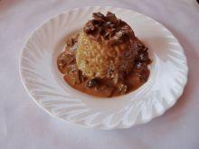 Pęczak jęczmienny z sosem grzybowym